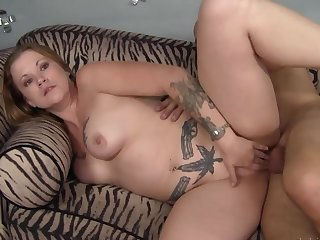Blarney in the curvy tattooed milf makes will not hear of moan like a slut