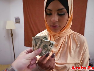 Forbidden arab habiba cumsprayed in mouth