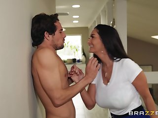 Ava Addams puts a finger on her clit during a sex for tiptop cum