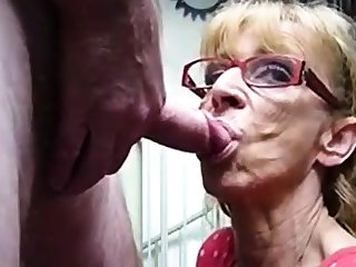Uncompromisingly old hookup amateur granny gives blowjob