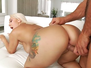 PAWG babe Nina Kayy takes a huge cock in her mouth and anus