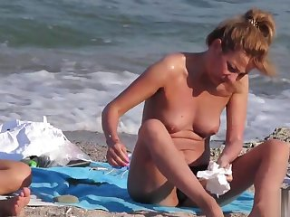 Voyeur Beach Hot Amateur Topless MILFs - Spy Cam HD Video