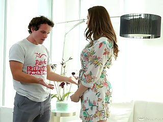 Stepson is arrivisme for super down in the mouth stepmom Chanel Preston in the shower