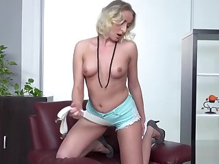 Effectively Busty Babe Shows Retire from Her Assets