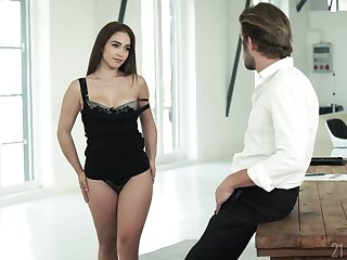Bootyfull angel craving a man's touch and that girl is in favour at fucking