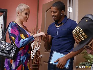 Doyen blonde dame Ryan Keely tries a juicy BBC atop be required of size